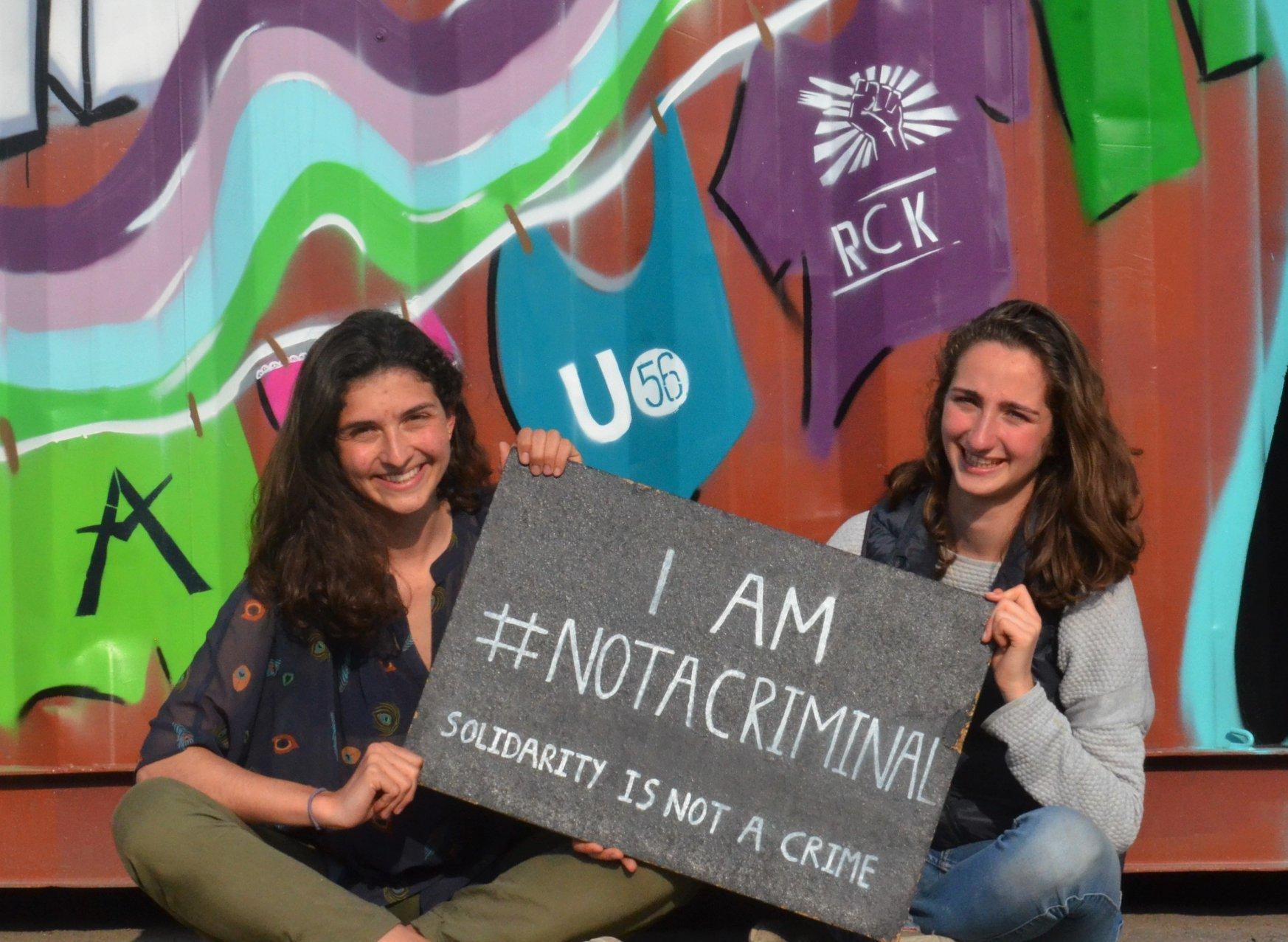 Aidons les migrants : Utopia 56 à la recherche de développeurs-bénévoles