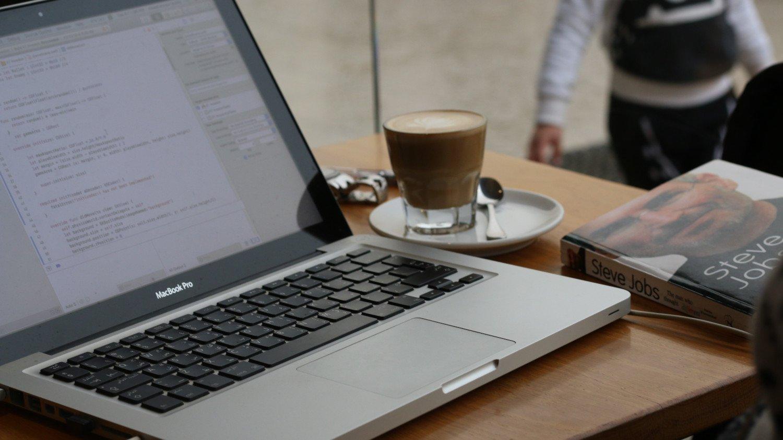 Swift vs Python : Quel langage de programmation choisir ?